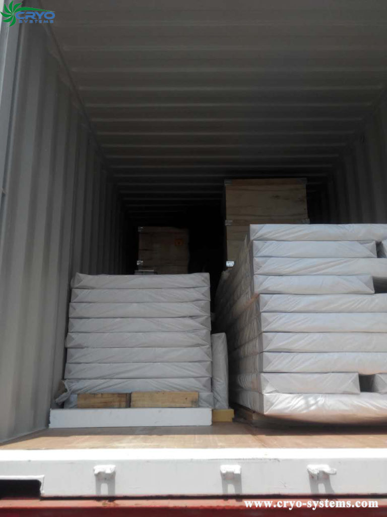 Panel container loading